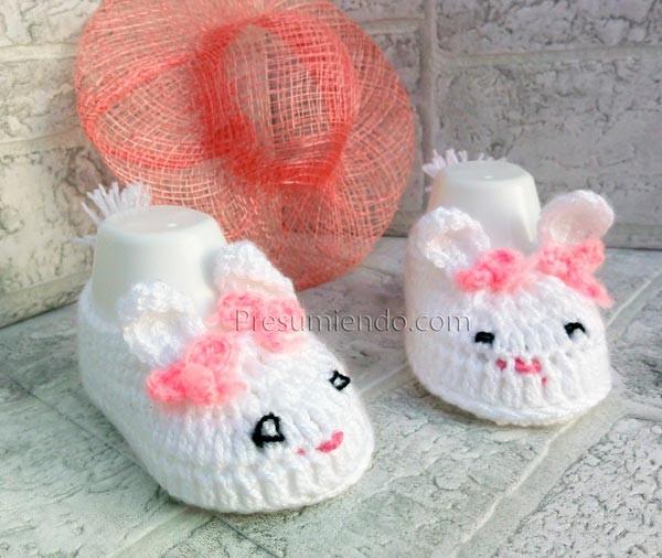 Patucos crochet conejo