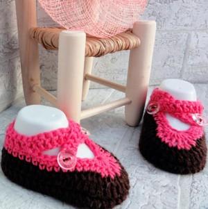 Zapatos de ganchillo recien nacido